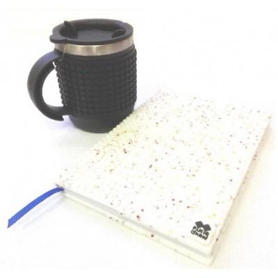 SET creativ cu pixeli agenda cu coperta stele albe+cană termos neagra